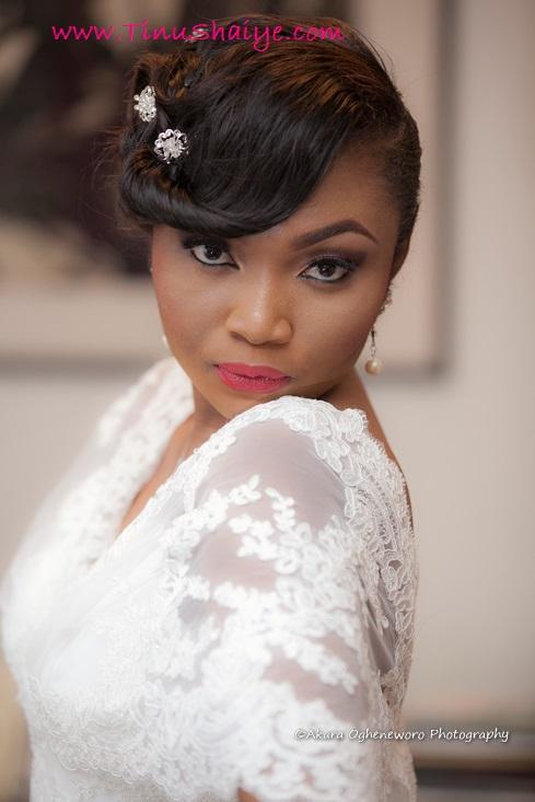 Top-Nigerian-Makeup Artist-TinuShaiye-Ene-white-Wedding-Session (11)