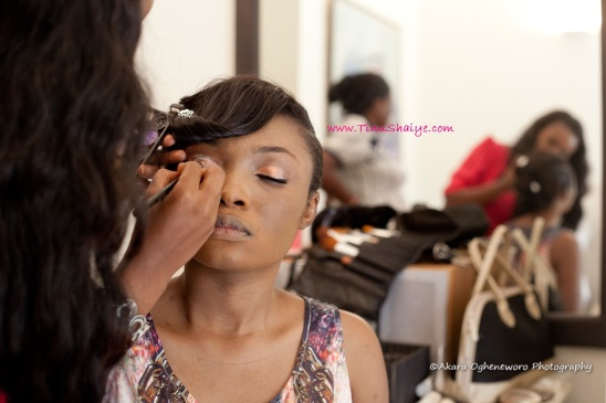 Top-Nigerian-Makeup Artist-TinuShaiye-Ene-white-Wedding-Session (2)