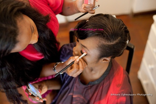 Top-Nigerian-Makeup Artist-TinuShaiye-Ene-white-Wedding-Session (4)