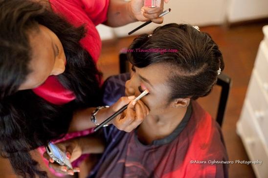 Top-Nigerian-Makeup Artist-TinuShaiye-Ene-white-Wedding-Session (4)