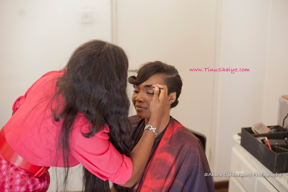 Top-Nigerian-Makeup Artist-TinuShaiye-Ene-white-Wedding-Session (6)