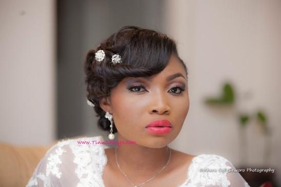 Top-Nigerian-Makeup Artist-TinuShaiye-Ene-white-Wedding-Session (8)